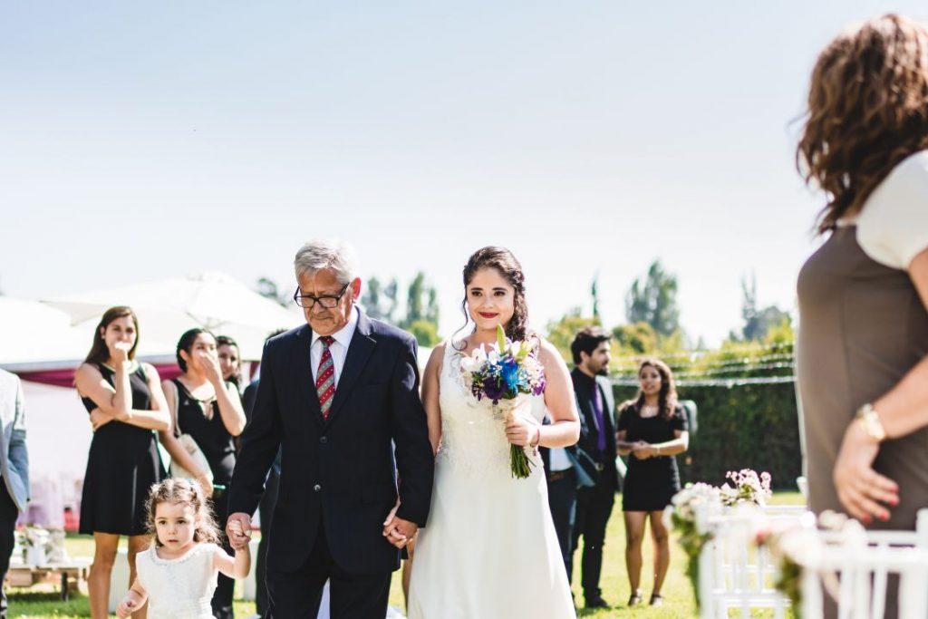 Kotty & Marce, la boda al aire libre chilena más chévere. 12
