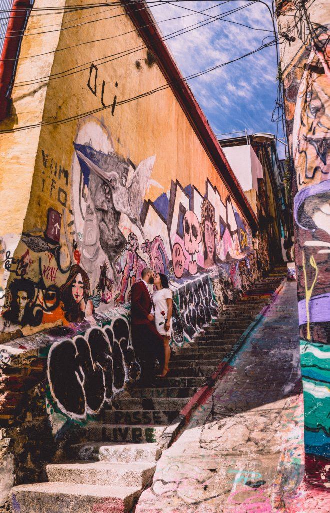 wabi sabi valparaiso graffiti  - foto de matrimonio cerro alegre
